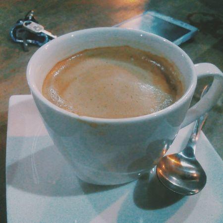 secangkir Hazelnutcoffee untuk pertemuan kesekian. Coffeeshop Coffeeporn Latteart Latteporn Dating IPhoneography