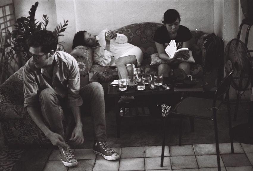 Busy Blackandwhite 35mm Film Photography Ilford Nikonf2 Dyutano