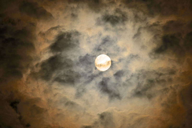 Astronomy Beauty In Nature Cloud Cloud - Sky Cloudscape I See The Bad Moon... La Luna Moon Nature Outdoors Planetary Moon Sky Tranquility Weather
