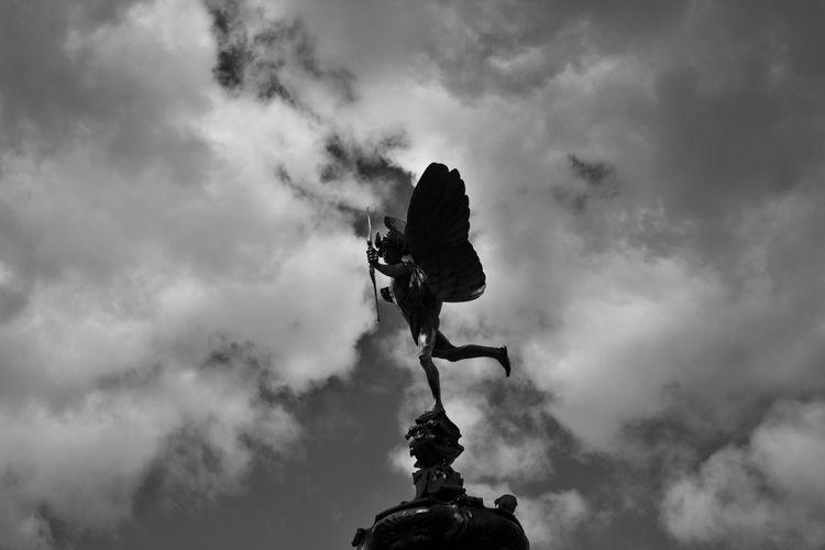 Sky Cloud - Sky Cloudscape Cloudy Tranquility No People Cloud Estatue  Eros Black & White Blackandwhite Black And White Blackandwhite Photography Black And White Photography Black&white First Eyeem Photo