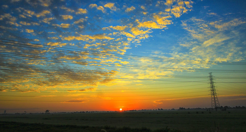Sunrise in the gambut city 43 Golden Moments Sunrise Check This Out EyeEm Best Shots EyeEm Gallery Hello World Enjoying Life Nature Fieldscape Fields And Sky Fieldtrip Nature Photography Nationalgeographic Nationalgeographic_ Banjarmasinbungas Banjarmasin BanjarmasinCity Gambut SouthBorneoTravellers