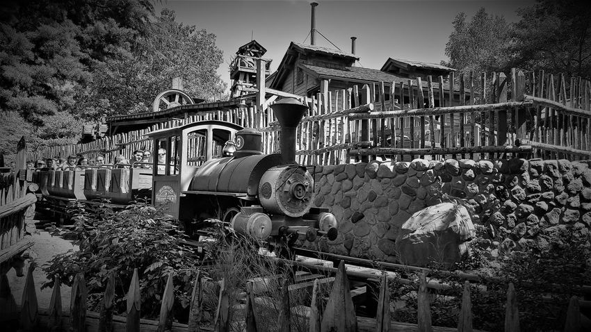Big Thunder Mountain Railroad - Disneyland Resort Paris 2017 2017 2017 Year 2017 Photo 25th Anniversary Disneyland Paris DLRP France Disneyland Paris Disneyland Paris 💚🎆🗼 Disneyland Resort Paris Disneyland Resort Paris 2017 Disneyland Resort Paris 25th Anniversary Eurodisney Rides And Attractions Travel Photography Architecture Big Thunder Mountain Big Thunder Mountain Railroad Built Structure Day Disneylandparis Eurodisneyland Nature No People Outdoors Sky Tree