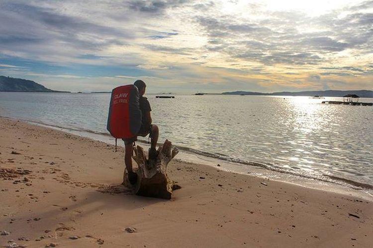 Pagi di Ujung Sulawesi. . . 📍 Gangga Likupang Minahasautara Sulawesiutara . . 📷 Eos1100D Canon . . INDONESIA Instagram Instapic Instapantai Visitmanado Visitindonesia