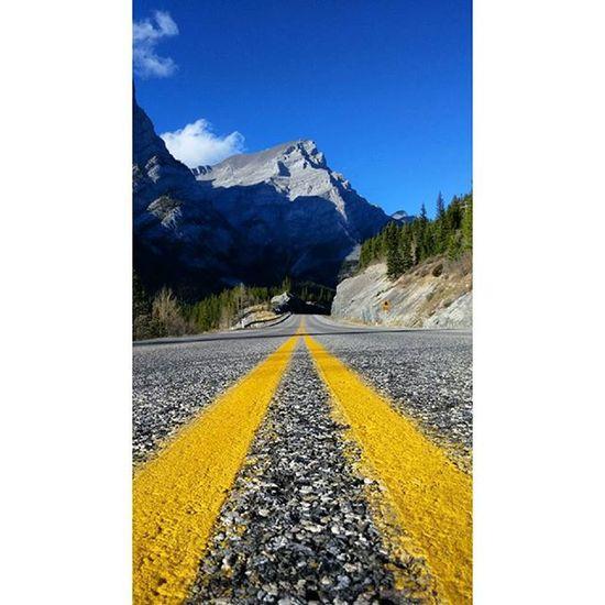 Highway 40 @travelalberta Explorealberta Keepexploring Banff  Banffnationalpark Ab Alberta Imagesofcanada Pictureoftheday Beautifulroads Canmore Montanhasrochosas Canada Lakes  Travelcanada Tourismalberta Greatnorthcollective Albertaroads Kananaskis Peterlougheedprovincialpark Highway40 Mountainpeopleunite