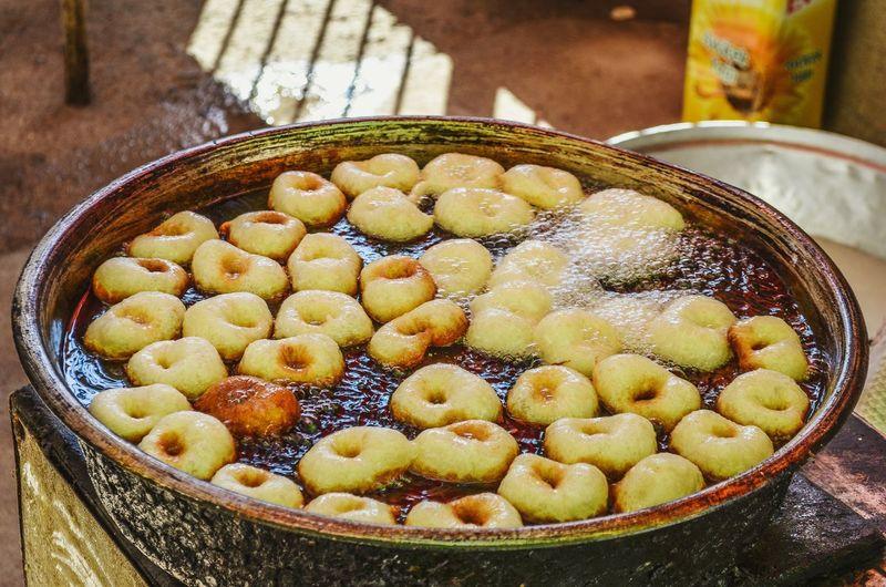 Lokma dessert frying indoors