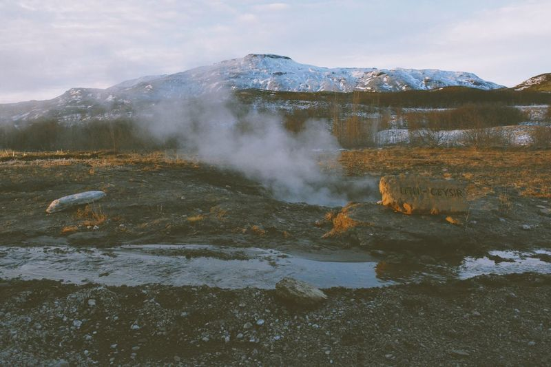 Geysir Nature Mountain Beauty In Nature Outdoors No People Day Water Sky Physical Geography Power In Nature Landscape Scenics Tranquility Lake