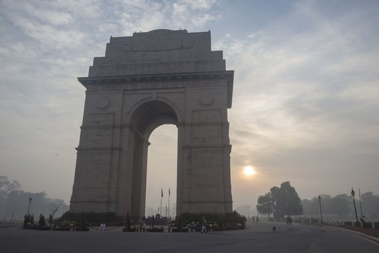 sunrise scene of india gate in rajpath Architectural Feature Architecture Built Structure Capital Cities  City Famous Place History India India Gate Indiapictures International Landmark Landmarkbuildings Monument Morning Sky Outdoors Tourism Travel Destinations