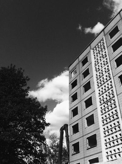 The open window ... Urban Decay Black And White Clouds And Sky Abrissarbeiten Abriss Plattenbauromantik Plattenbau