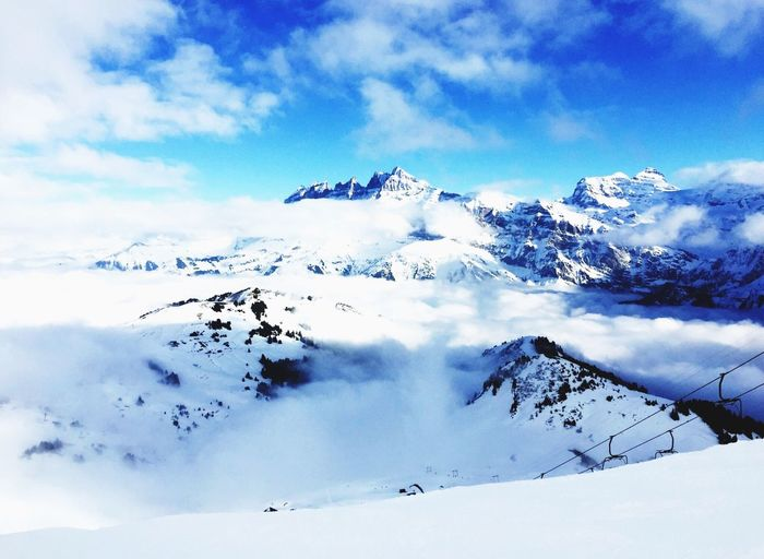France Alpes Mountains Snow Snowboarding Christmastime Sunny Day Beautiful