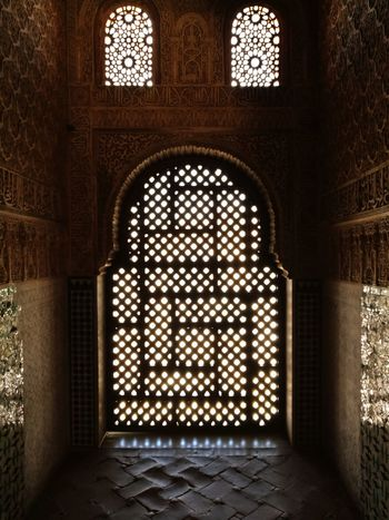 shadow and light Soonjourney MyWanderLust Travel Light Shadow Window Arch Pattern Architecture Mosque