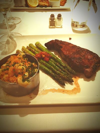 Man... This Steak, asparagus, Mac and cheese combo... 😱😁😁😁😁 too delicious! Philly has treated me well so far! Glad I was able to take the time and make the trip! Not to mention the seafood tower! Man I think I may go back for dinner tomorrow haha First Eyeem Photo