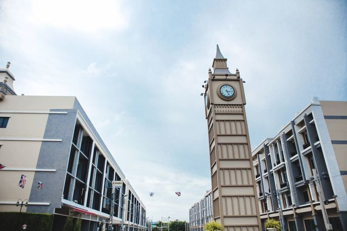 Architecture Building Exterior Built Structure Sky Cloud - Sky Day Clock Tower Low Angle View Outdoors No People Clock City clock Clock Towers Clock Tower In Barkground Clocktower Clocktowers cen Place
