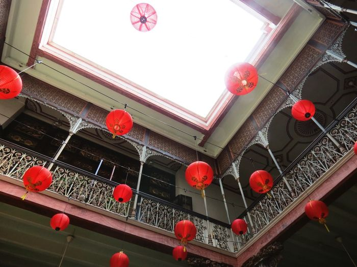 檳城文化遺跡 #峇峇娘惹 檳城 海峽華人 土生華人 娘惹 古蹟 Chinese New Year Chinese Lantern Lantern Low Angle View Chinese Lantern Festival Cultures Lighting Equipment Traditional Festival Red