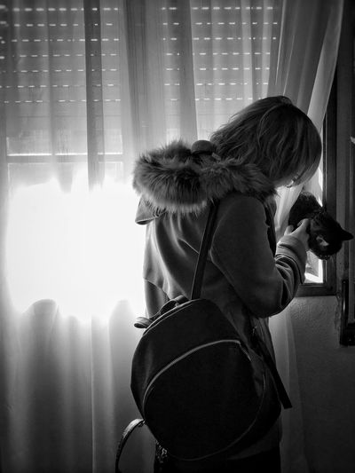 Traveling Home For The Holidays Indoors  One Person Real People Cat Cats Of EyeEm Domestic Cat Lieblingsteil Long Goodbye Pet Portraits