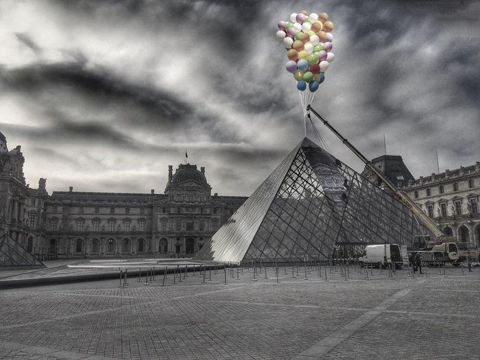Paris France Blackandwhite Pyramide Du Louvre Pyramyde