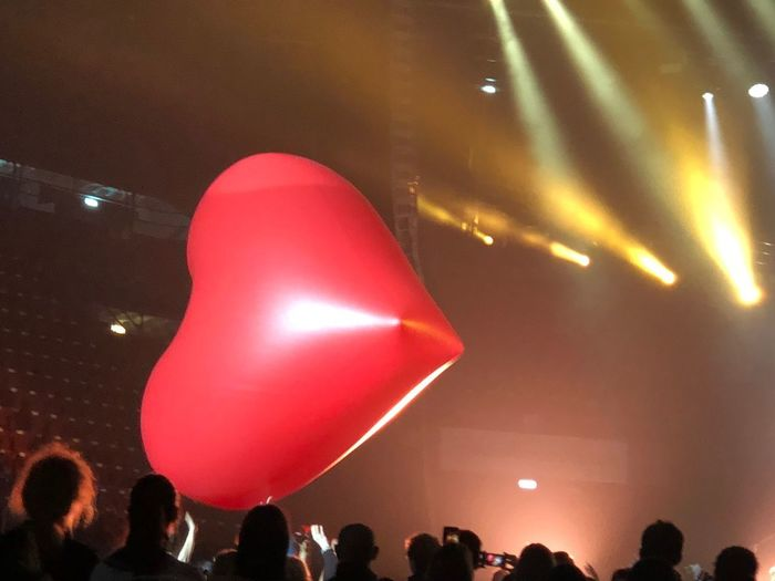 Crowd Large Group Of People Arts Culture And Entertainment Music Balloon Event Light - Natural Phenomenon Light Lighting Equipment Audience
