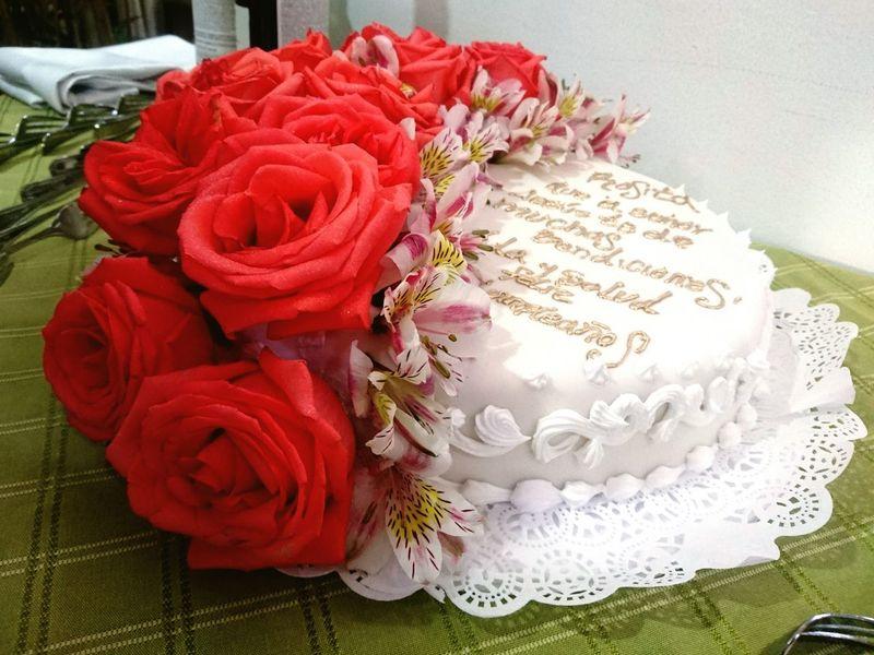 Flowers Roses Astromelias Cake HappyBirthday Celebration