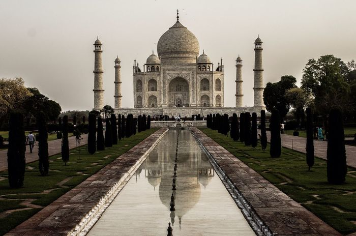 India Agra Taj Mahal Time To Reflect Taj Mahal a place always to be remembered, just Fantastic! Place and time to reflect... Vanishing Point Travel Photography