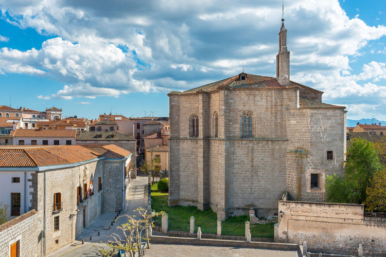 Chapel of Mosen Rubi, Avila, Castilla y Leon, Spain Built Structure Mosen Rubi Chapel Avila Castillayleon Castilla Y León Architecture Building Exterior Building Cloud - Sky Nature The Past History City Day No People Travel Destinations Travel SPAIN Sky Old Outdoors Tower Religion