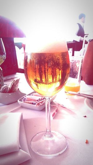 Happy Confraternização Drinking