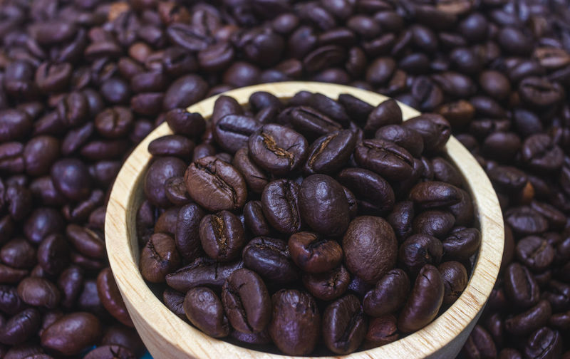 Food And Drink Roasted Coffee Bean Coffee Food Freshness Coffee - Drink Large Group Of Objects Brown Still Life Indoors  Abundance Close-up Coffee Bean No People Backgrounds Full Frame Heap Roasted High Angle View Pattern Caffeine