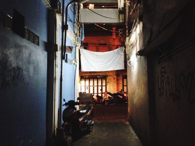 Hanging Out Taking Photos Enjoying Life Oldtown Chinatown Bangkok Streetphotography Walking Around Hanging Out Night
