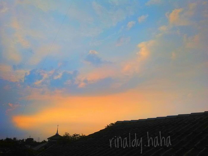 Sky viewing at my rooftop home Sunset No People Beauty In Nature Nature Day Outdoors Sky Nature EyeEm Selects Bekasi, Indonesia