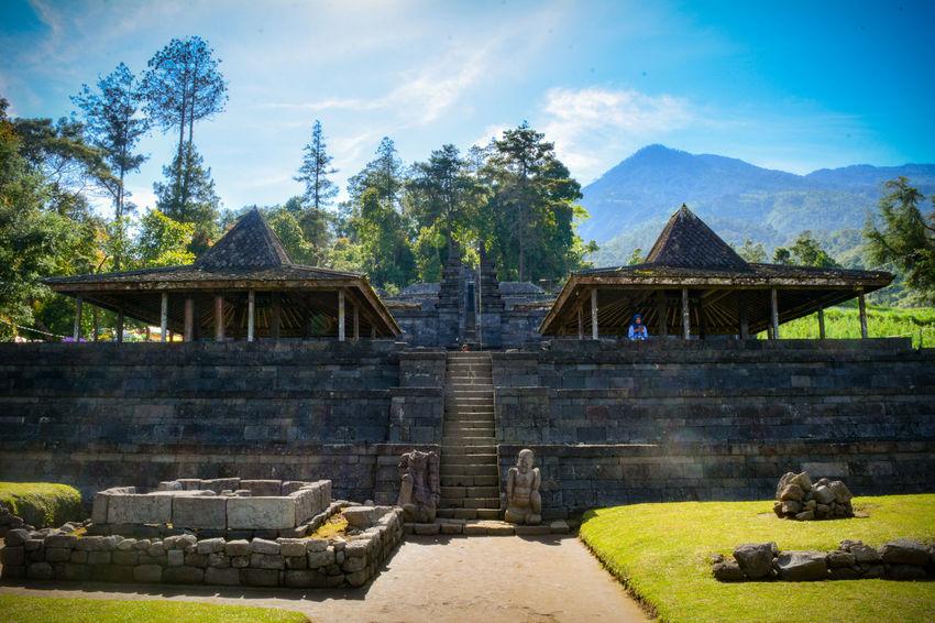 Majapahit Tree Architecture Sky Outdoors Built Structure Temple History Hindu Temple Mountain View Ancient Civilization Travel Destinations Architecture