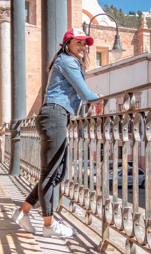Snap Out Of It One Young Woman Only One Person Women People Young Women Day City EyeEmNewHere Photooftheday Photoofthenight Zacatecas México Photography Beauty Architecture Travelling Places You Must To See Freshness Adapted To The City Scenics Amazing Only Women