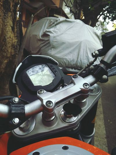 KTM Duke200 Bangalore Motorcycles Loveit Orange