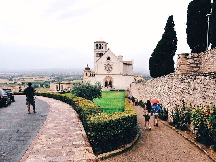 Assisi | Assisi Umbria Italy Vscocam VSCO Saint Francis Streetphotography Church Cathedral Landscape