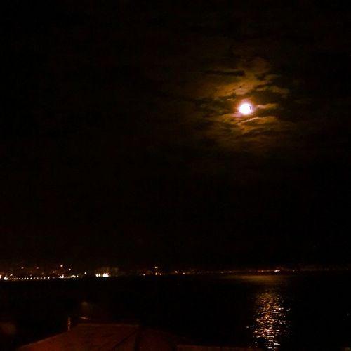 Luzes da cidade, lua brilha pra gente! ❤ Moonlight ♥ Luaperfeita Inlove The Moon