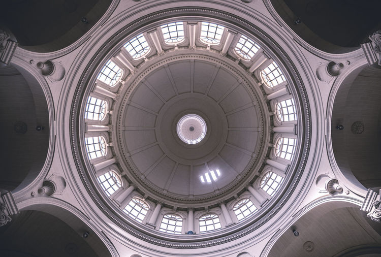 Architectural Design Architectural Feature Architecture Built Structure Ceiling Cupola Day Dome Indoors  Low Angle View No People Symmetry Travel Destinations Window