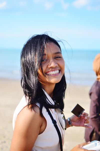 The Portraitist - 2016 EyeEm Awards Nikon EyeEm Gallery Beach Sand Sa Summer Big Smile Smile Woman Who Inspire You People And Places
