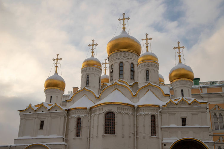 Russia Kremlin Building Exterior Place Of Worship Architecture Belief Religion Spirituality Built Structure Building Sky Cloud - Sky Dome Low Angle View No People Cross Nature Travel Destinations Outdoors