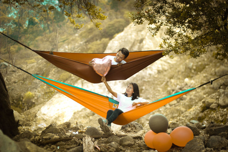 Mountain salak,indonesia Mountains Mountain Hiking Hammock Hammocking Hammocktime Hammockindonesia Full Length Motion Casual Clothing RISK Recreational Pursuit Day Person Outdoors Focus On Foreground Culture Footpath