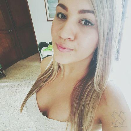 Enjoying Life Colombiangirl Selfie ✌ Beauty Blondiegirl Cartagening  Young Women Colombiagirls Happy :)