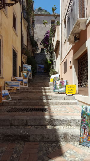 Art For Sale in Taormina Editorial Only Italy🇮🇹 Tourist Attraction  Art Taormina Italy Cobblestone Steps Travel Destinations Shopping Architecture Built Structure Building Exterior No People Day Residential Building