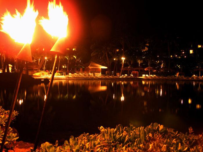 Nigth Ligths Night Dark Notte Sera Hawaii Beach Color Colori Mare Sea Fire Torches