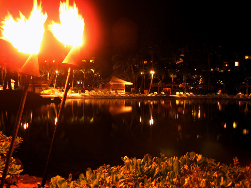 Nigth Ligths Night Dark Notte Sera Hawaii Beach Color Colori Mare Sea Fire Torches
