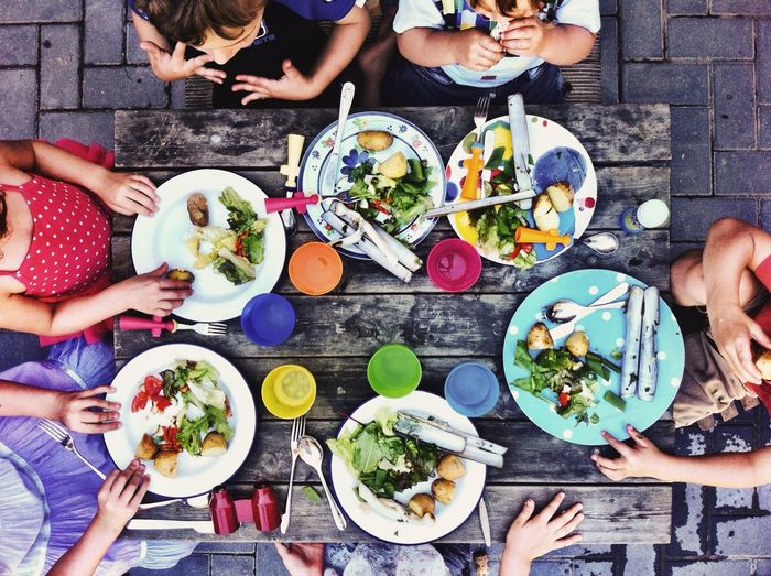 A Bird's Eye View Lunch food Fresh kids High Angle View Overhead View Bonding discussion Healthy Eating seafood Pattern Circles colourful