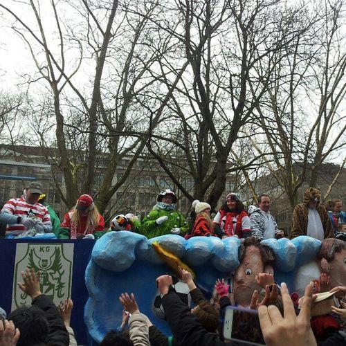 Fortuna F95 Rosenmontagszug Rosenmontag Umzug Karneval Carnival Helau Düsseldorf 2013