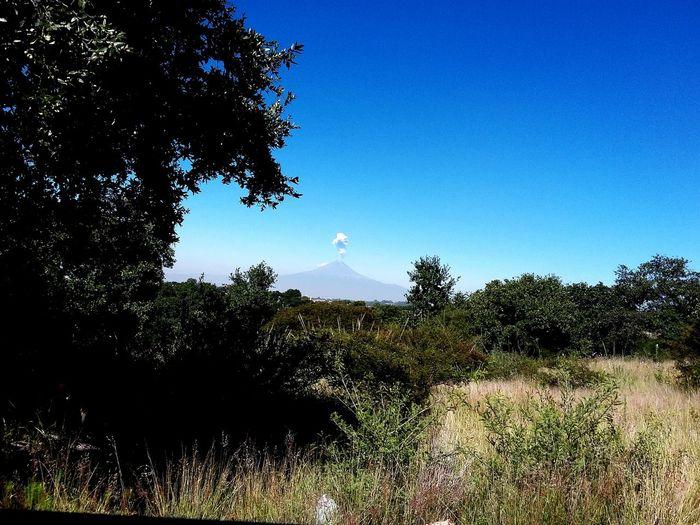 Volcano Volcán Fumarola Don Goyo Don goyo amaneció un poco ajetreado