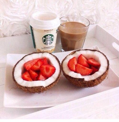 Petit déjeuné. Breakfast First Eyeem Photo Coconut Holiday (nuFraisesaEnjoying Life SunsetuLove Tranquilityility