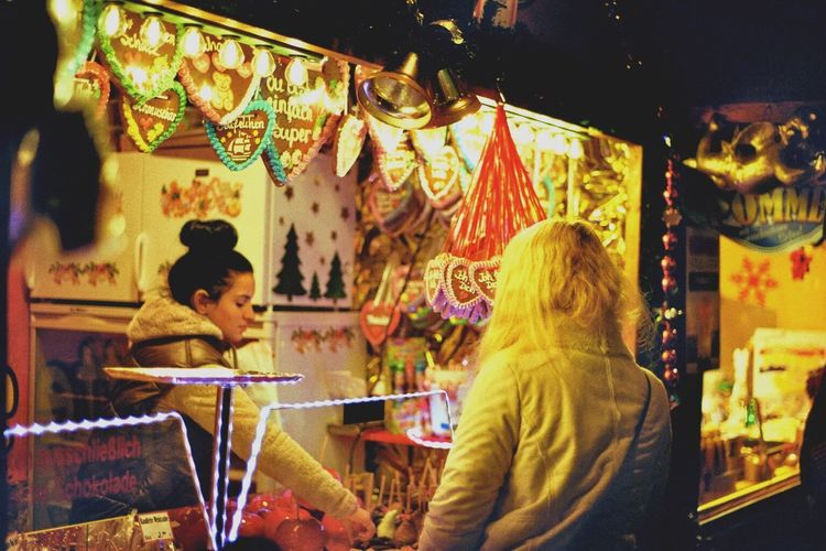 Pentax Pentax Ne Super Weihnachtsmarkt Krimis Candys Girl Night Lights Kodak 200 Kodak Lomography Analog Berlin Film Photograph Taking Photos Real People