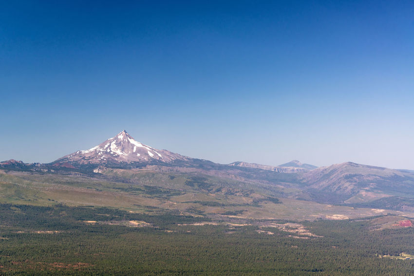 Beautiful landscape view of Mt. Jefferson near Bend, Oregon Oregon Bend Mt Jefferson Mount Jefferson Jefferson Mountain Cascades Cascade Mountains Volcano Landscape Northwest Pacific Northwest  Summer Forest Pine Tree Pine Trees Mountain Peak Mountain Range USA No People Idyllic Nature Beauty In Nature Sky Clear Sky