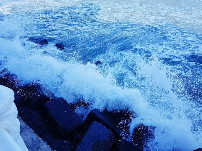 Waves Waves Nature Photography EyeEm Nature Lover Wintertime Foodphotography Water Blue One Person Real People Swimming Pool Leisure Activity Day