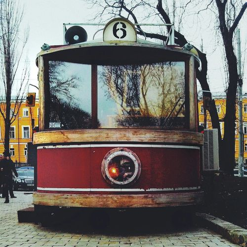 Трамвай отдыхает в паркеallshots_ All_shots Streetphotography OpenEdit Open