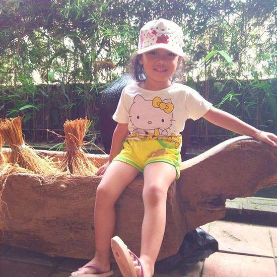 Nofilter Tapakrasa Syahla Sit On Traditional Paddy Wrecking Utensil
