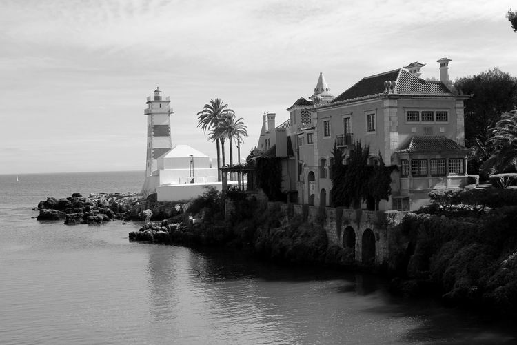 Repost but without a frame. Lighthouse Seaside Old Buildings Palm Trees Bnw EyeEm Nature Lover Eye4black&white  Blackandwhite EyeEm Best Shots EyeEmBestPics Sky And Clouds Blackandwhite Photography Black&white Summer Views Black And White Eye4photography  Light And Shadow Taking Photos at Cascais Portugal